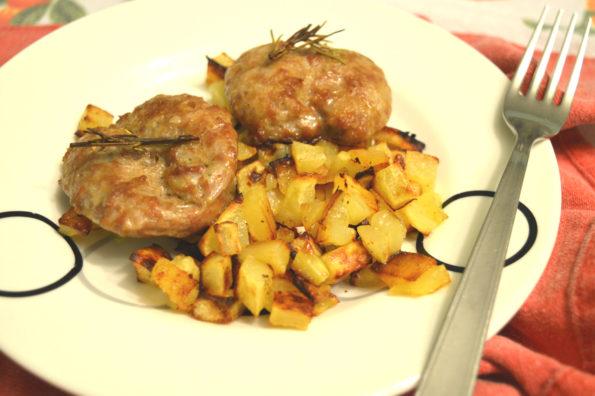 Salsicce e patate al forno