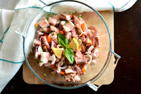 insalata di polpo con erbette aromatiche