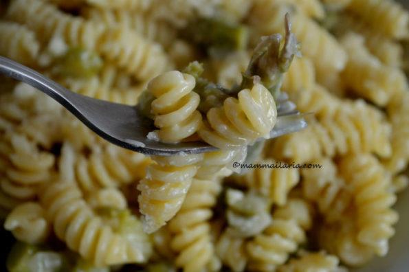pasta con asparagi e gorgonzola