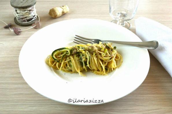 Pasta zucchine e tonnoaromatizzatacon zenzero