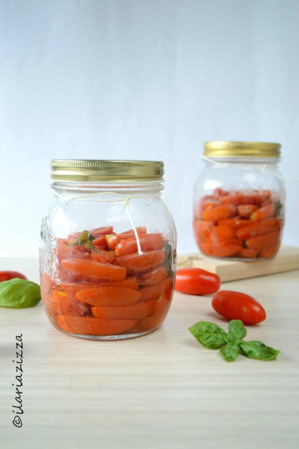 conserva di pomodori al naturale