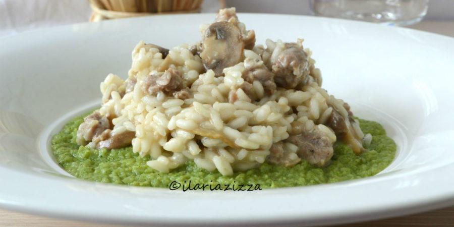 Risotto funghi e salsiccia su crema di broccoli