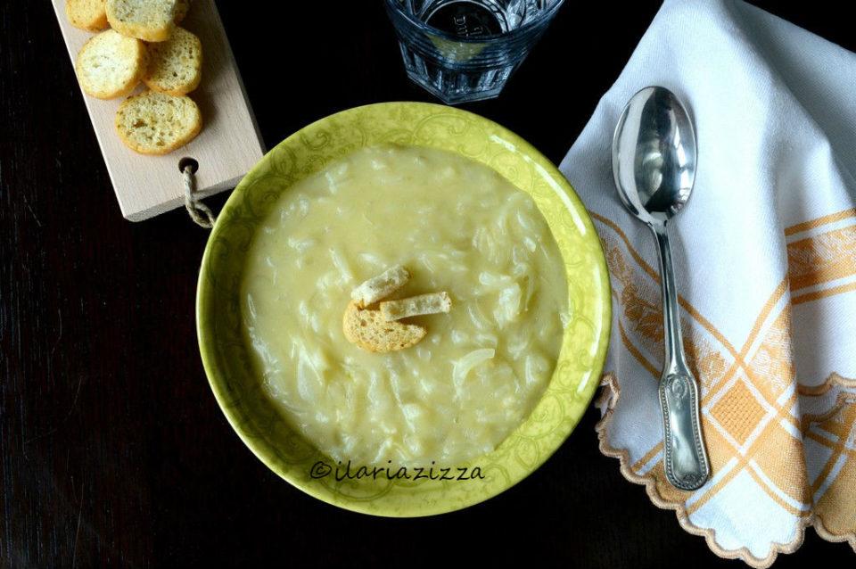zuppa di cipolle vegana