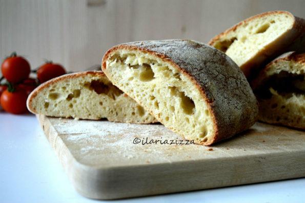 Filone di pane con poco lievito di birra