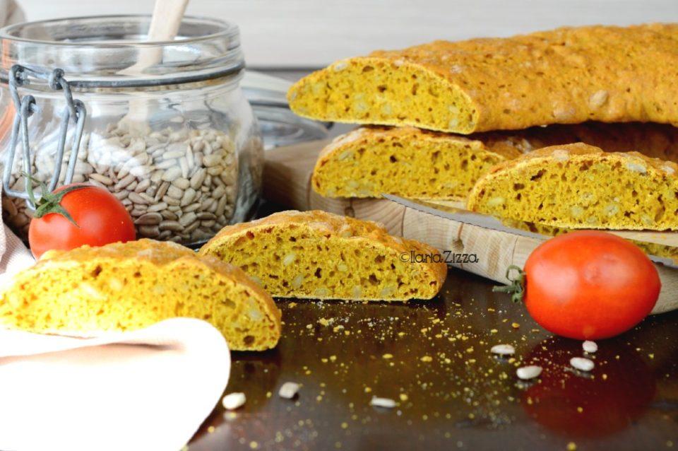 Pane sciapo alla curcuma e semi di girasole
