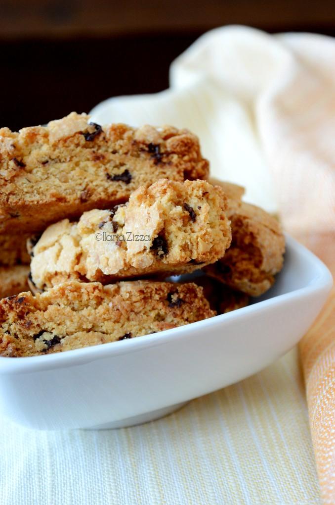 Biscotti della salute con nocciole e cioccolato